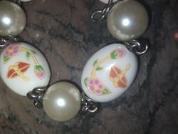 Porcelán - gyöngy romantikus karkötő
