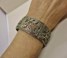 Gyönyörű antik széles  ezüstözött szecessziós karkötő