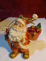 Arany ruhás mikulás, batyuval, karácsonyfa dísz,  magassága 7 cm.