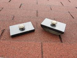 Fekete márvány itatós és nehezék bronz fogóval - antik