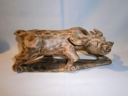Gyönyörű egy tömbből kézzel faragott fa bika szobor Kínából 30 cm hosszú