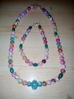 Új, gyöngyös színes nyaklánc és karkötő