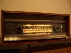 Telfunken Opus studió rádió