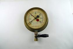 Nagyméretű ántik valami réz nyomásmérő óra