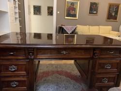 Gyönyörűen felújított ónémet íróasztal