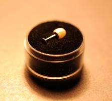 14K. arany Dermal Anchor- Testekszer