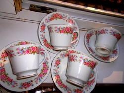 4 db teás porcelán csésze+ 4 db csészealj -az ár a teljes mennyiségre vonatkozik