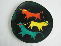 Bodrogkeresztúri kerámia art deco bikás fali tál