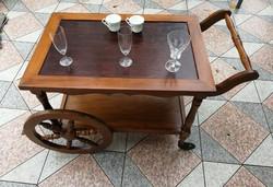 Zsúrkocsi, zsúrasztal, bár asztal, gurulós kínáló, piknik asztal fából! Szevízasztal, ital kínáló...
