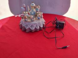 Enesco zenélő,forgó tea asztal!