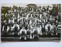 MATYÓ GYERMEK CSOPORTKÉP FOTÓ, POST CARD, KÉPESLAP 1930 KÖRÜL MEZŐKÖVESD (9X14 CM) EREDETI