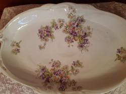 Asztalközép,kínáló gyönyörű virágokkal