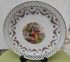 Gyönyörű porcelán kínáló, Asztalközép,áttört szélű,jbarokk jelenetes képpel, virágokkal