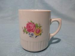 Zsolnay bögre ritka rózsa-és virágmintával, csésze