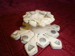 Kerámia gyertyatartó, alsó átmérője 9,5 cm.