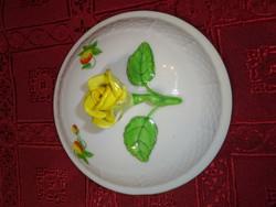 Herendi porcelán, eper mintás cukortartó tető, sárga rózsával, átmérője 12 cm.