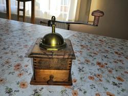Kávédaráló, antik