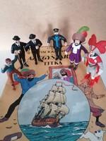 Tintin: Az Egyszarvú titka + a képregény figurái