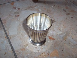 Szép vastagon ezüstözött pohár