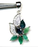 Kék zafír, smaragd és cirkónia köves ezüst medál