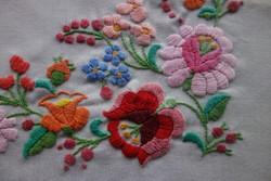 Kalocsai asztalterítő / virágmintás futó
