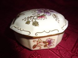 Zsolnay porcelán bonbonier, halvány lila virággal.