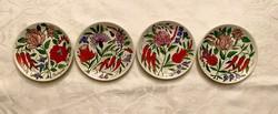 4 db. kalocsai mintás Alföldi porcelán süteményes tányérok, jelzett MBÉ, Bakos Éva Herend (?)