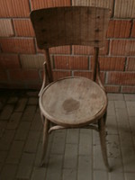 Thonet stílusú szék felújításra szorul