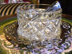 Gyönyörű, jelzett, antik ezüstözött, áttört szélű alátéten, üveg cukortartó, jelzett cukorcsipesszel