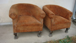 Körmös lábú Berzsier fotel párban.