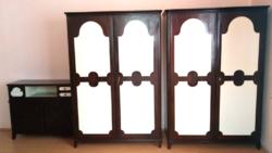 Asztalos mester által készített  egyedi fa hálószoba szekrények  2 db + 1 db  komód,