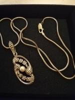 Eladó ezüst kézműves lánc ezüst Gyöngyös markazitos medállal!