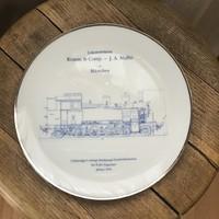 Porcelán fali tányér mozdony terv díszítéssel