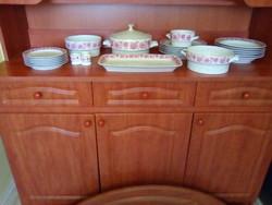 Hollóházi porcelán étkészlet 6 személyes eladó. Nem használt hibátlan állapotu.