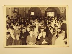Régi fotó fénykép - Templom, mise, egyház, vallás, gyerekek, elsőáldozás - 1950-1960-as évek