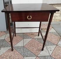 Lerakóasztal, thonet jelleg laptop, számítógép, iróasztal.asztalkiegészitő Reggeliző. böffasztalnak