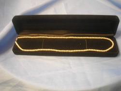 N3 ízléses fehér lüszteres gyöngysor 51 cm hosszú