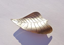 Levél alakú 925-ös, sterling bross