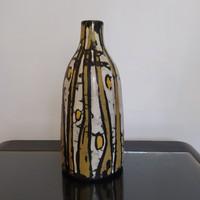 Gorka Lívia váza stilizált halakkal