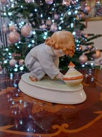 Zsolnay porcelán kislány búgócsigával SINKÓ