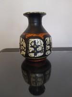 Gorka Lívia retro váza