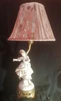 Jelzett antik, működő porcelán figurális  lámpa. Ajándék párral.