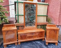 Antik hálószoba garnitúra fésülködő tükrös szekrény éjjeliszekrény párban
