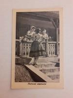 Régi képeslap kalocsai népviselet levelezőlap