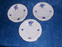 Régi Budapest ex Hüttl Tivadar / Aquincum porcelán kék rózsás csésze alátét 3 db átm. 12 cm (7/K)