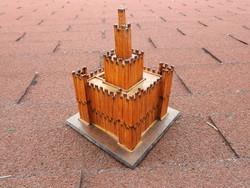 Antik gyufából készített vár kastély
