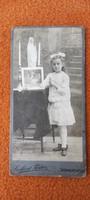 Antik fotó kemény karton ! 1900as évek eleje,leàny fotó első áldozàs.