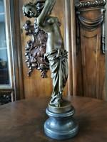 Monumentális női akt - bronz szobor műalkotás