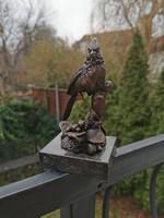 Madárka - bronz szobor