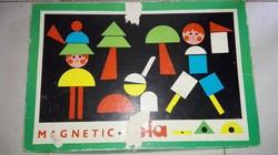 Antik mágneses játék táblával dobozában